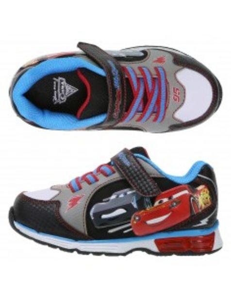 Oferta de Zapatos para correr con luces de Cars 3 para niños pequeños por S/ 124,9